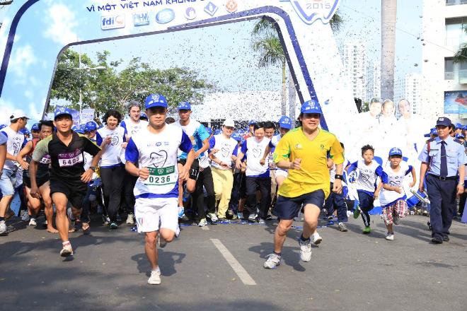 5.000 người chạy bộ vì sức khỏe răng miệng