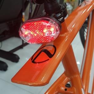 Đèn Led sau xe đạp thể thao